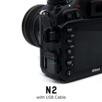 Unleashed N2 Seitenansicht an Kamera mit Kabel